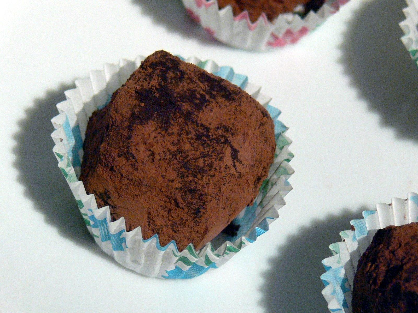 Easy chocolate truffles « Gastronomy Domine