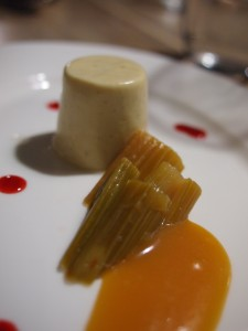 Rhubarb pannacotta